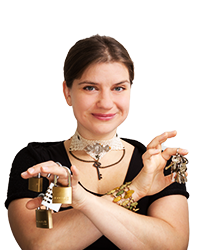 Elina<br>Game Host